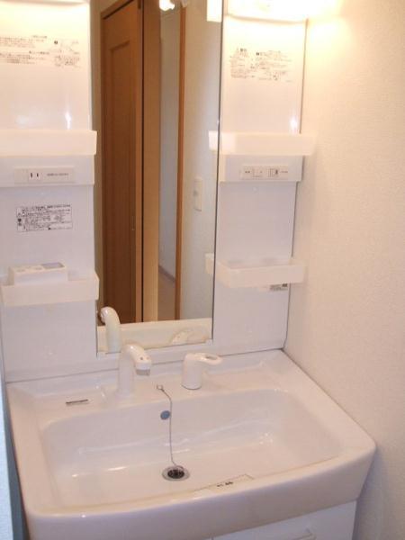 リトルパインズ 02030号室の洗面所