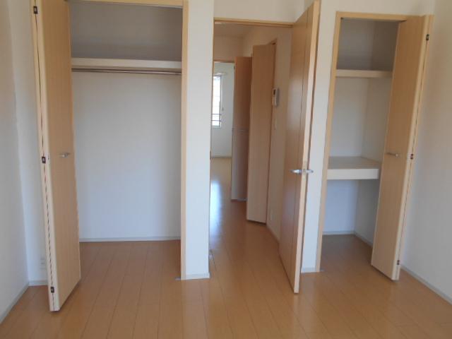 ライカム弐番館 02040号室の収納