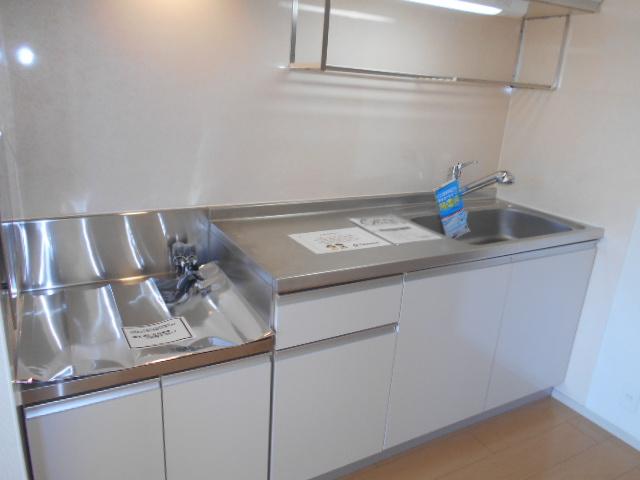 ライカム弐番館 02040号室のキッチン