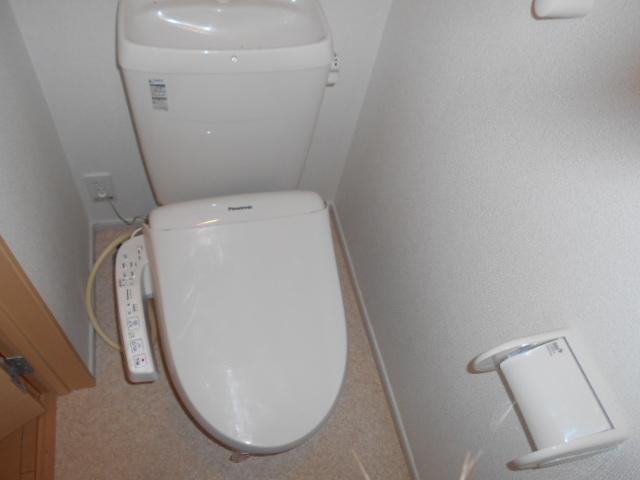 ライカム弐番館 02040号室のトイレ