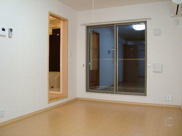 太陽 03010号室の居室