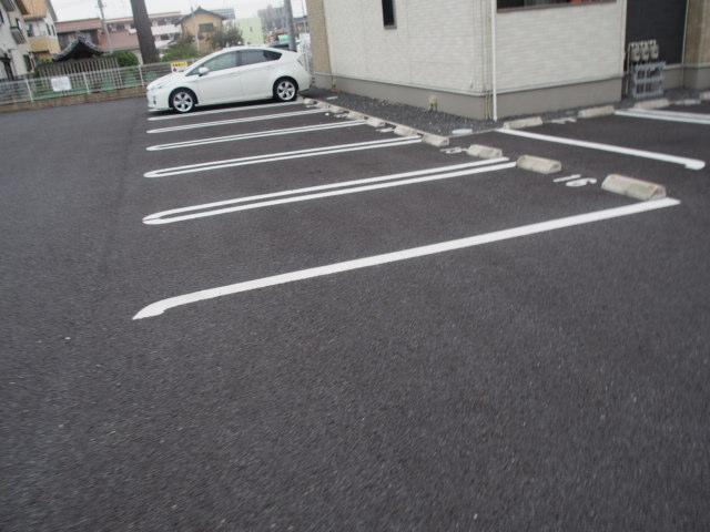 ホワイトヒルズドリーバーデンⅢ 03040号室の駐車場