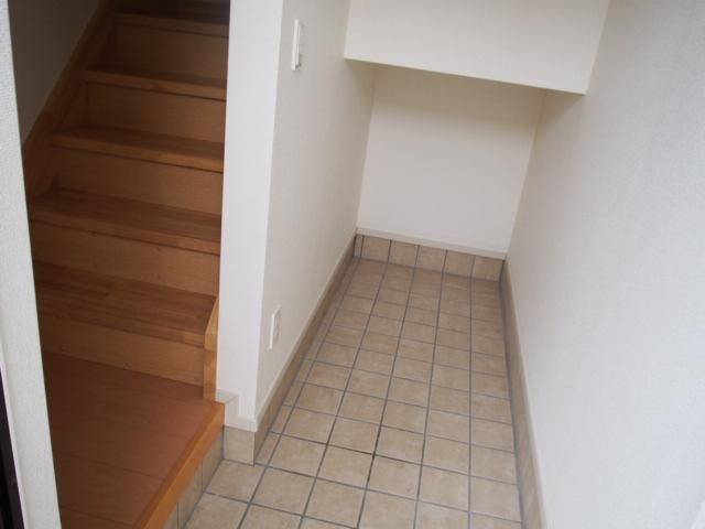 ホワイトヒルズドリーバーデンⅢ 03040号室の玄関