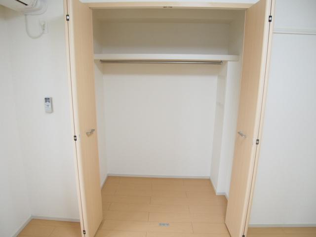 ホワイトヒルズドリーバーデンⅢ 03040号室の収納