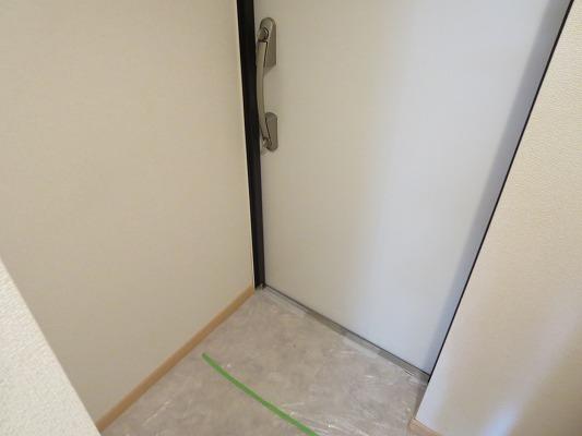 ジュネス東玉川 01010号室の玄関