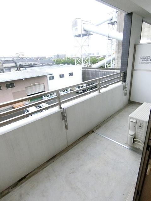 プレステージ空港東 06070号室のバルコニー