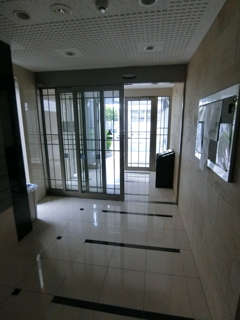 プレステージ空港東 06070号室のロビー