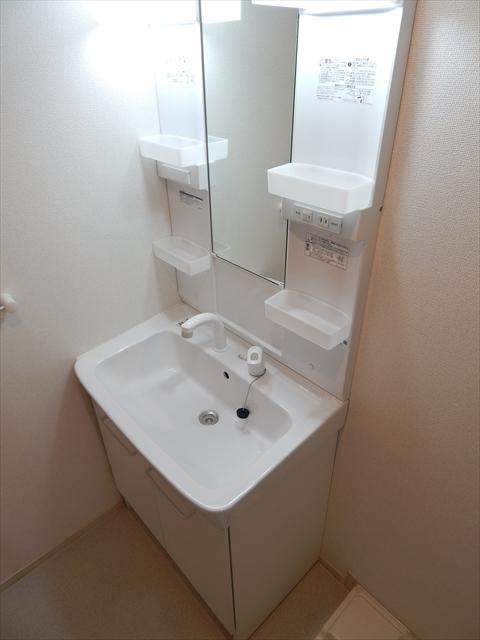クレストガーデンⅣ 02030号室の洗面所