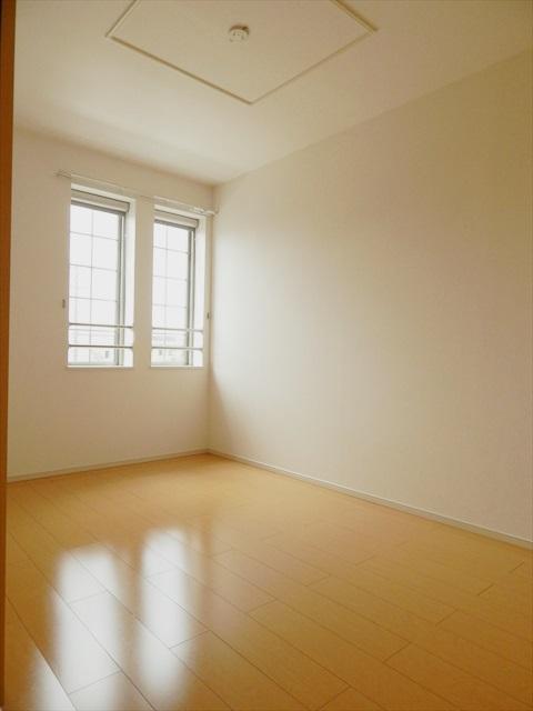 クレストガーデンⅣ 02030号室の居室