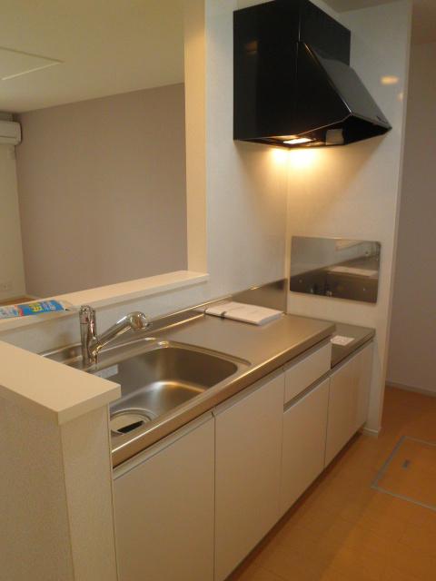 ロ-ズハウス OZ Ⅲ 01030号室のキッチン