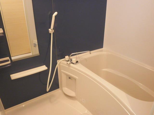ロ-ズハウス OZ Ⅲ 01030号室の風呂