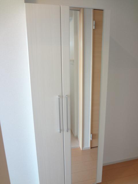 カトレア ハウスⅡ 01040号室の玄関