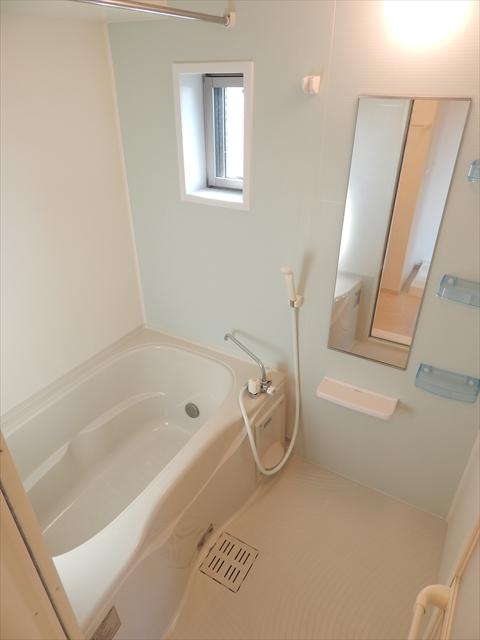 キューズ エリシオンA 01030号室の風呂
