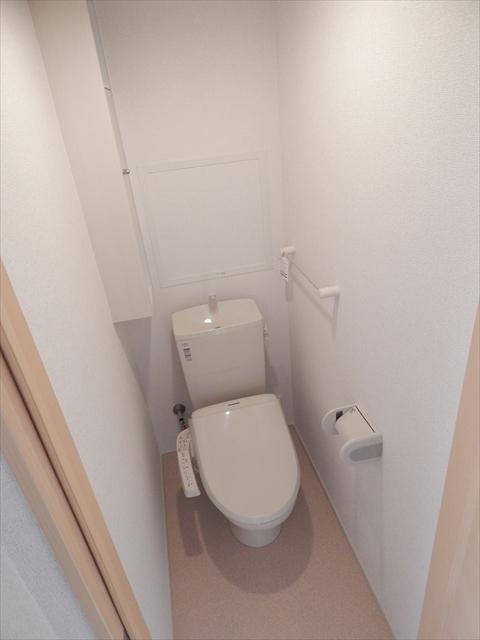 キューズ エリシオンA 01030号室のトイレ