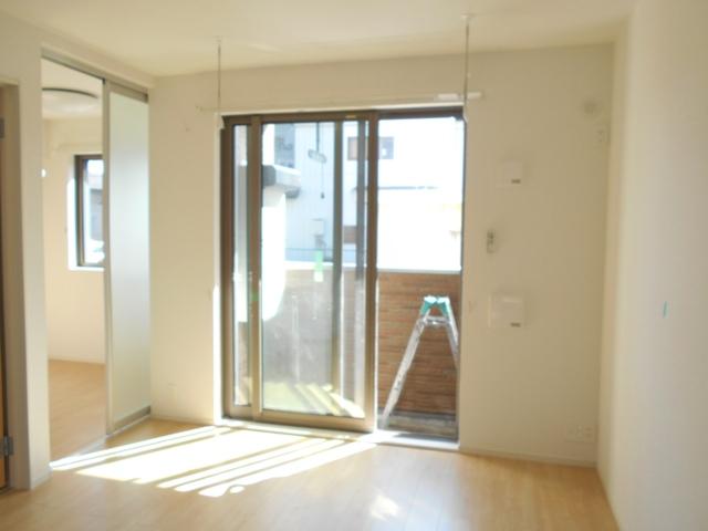 サンリットガーデン 01020号室のリビング
