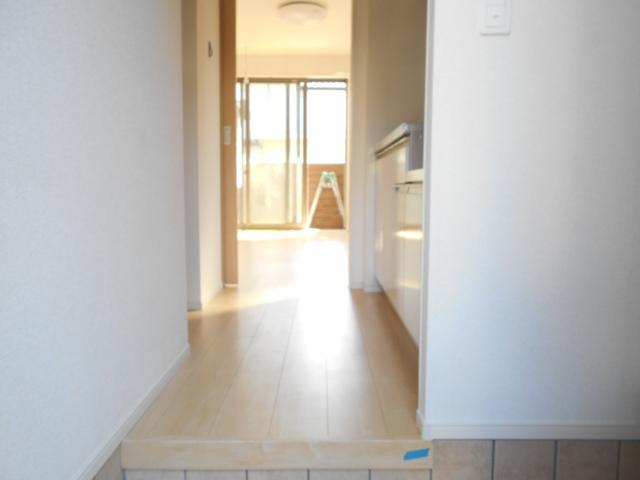 サンリットガーデン 01020号室の玄関