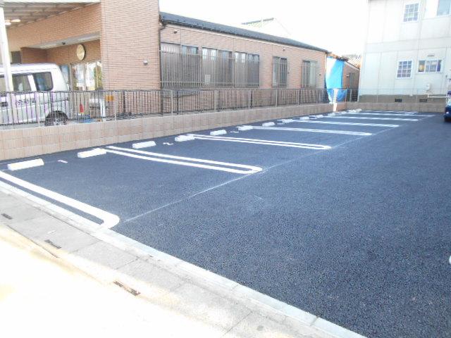 セイバリー R 03020号室の駐車場