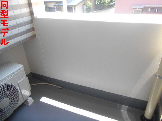 オール プロパティ 02020号室のバルコニー