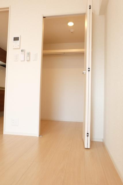 エクセレント クローバー 03040号室の収納