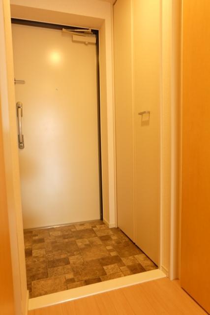 エクセレント クローバー 03040号室の玄関