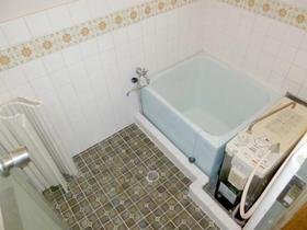 やよい荘 201号室の風呂