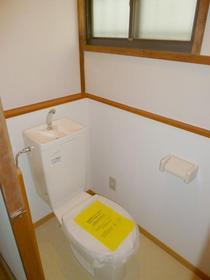 やよい荘 201号室のトイレ