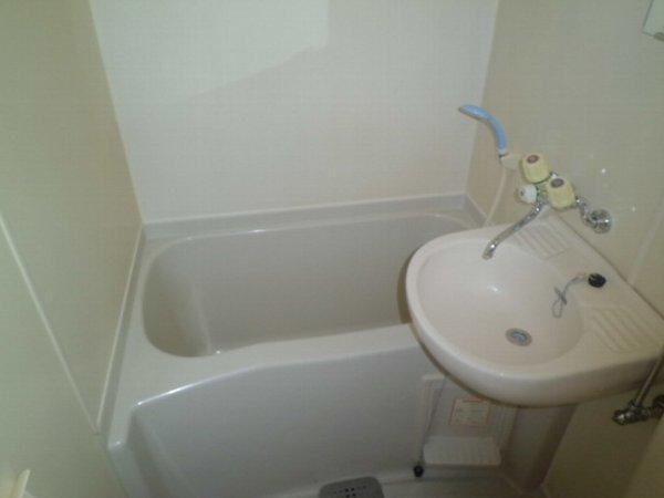 リレイション杉田Ⅱ 202号室の風呂