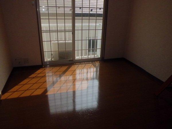 リレイション杉田Ⅱ 202号室のリビング