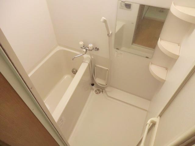 K'Sコート 101号室の風呂