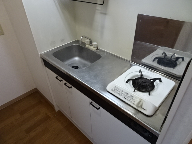 メゾンドール 303号室のキッチン