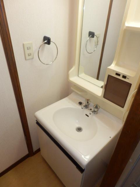 ストークハイツ五本木 202号室の洗面所