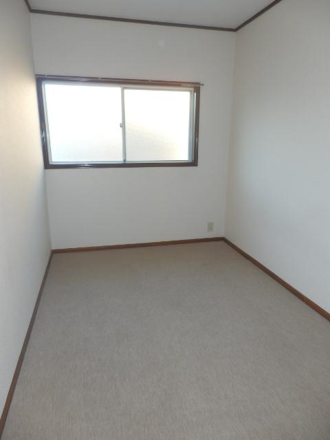 ストークハイツ五本木 202号室の居室
