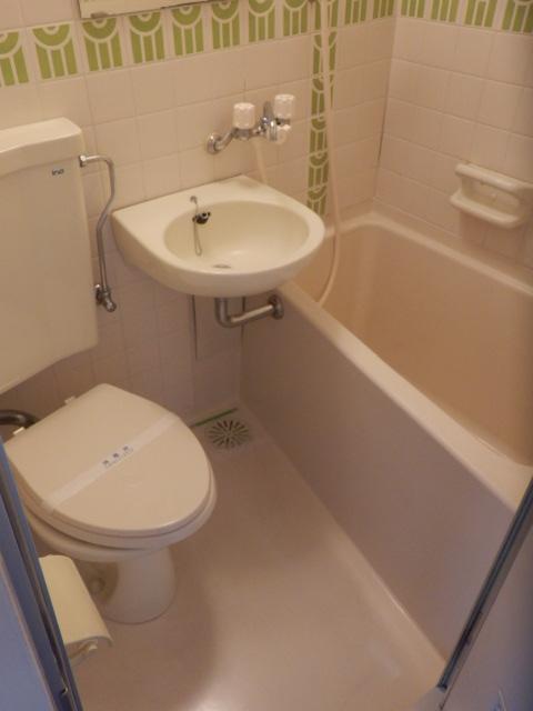 シティコア上野毛 301号室の風呂