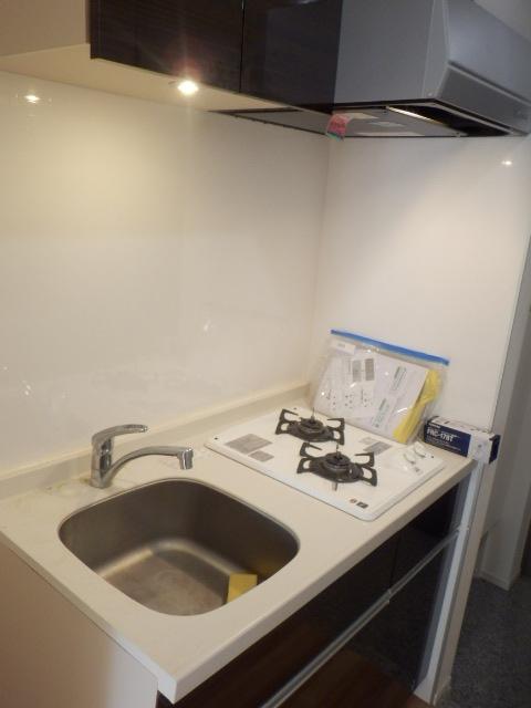 プレミアムコート都立大学 505号室のキッチン