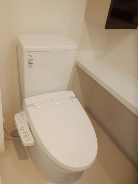 プレミアムコート都立大学 505号室のトイレ