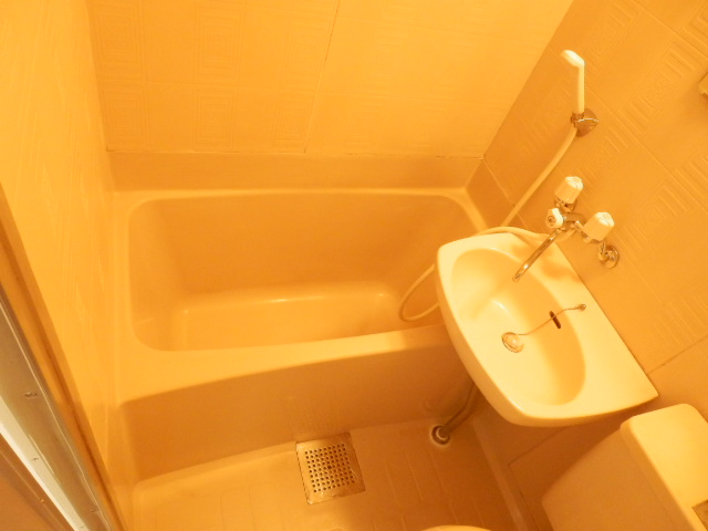 プランドール上戸祭 303号室の風呂
