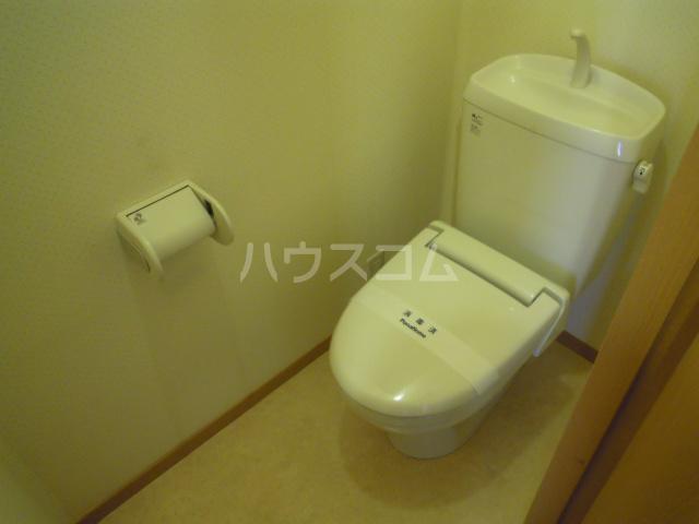 ソレイユ・メゾンB 101号室のトイレ
