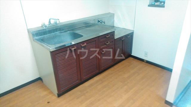 ハミング塚越 103号室のキッチン