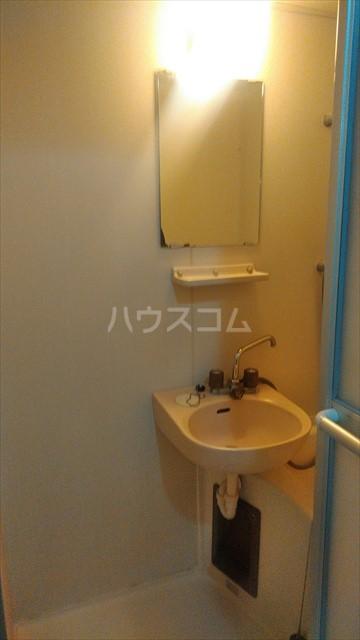 ハミング塚越 103号室の洗面所