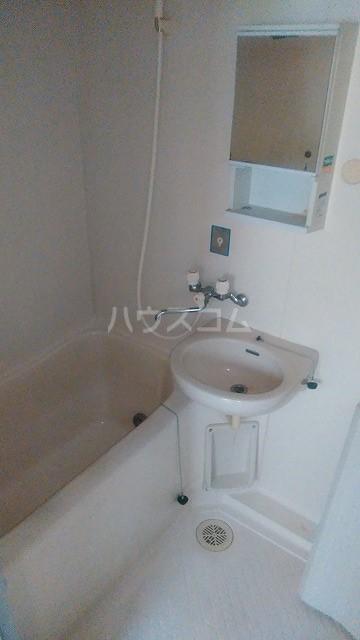 オフコーポ日暮Ⅱ 103号室の風呂