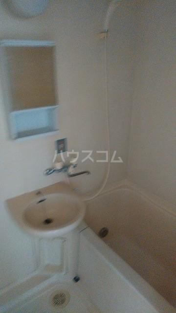 オフコーポ日暮Ⅱ 203号室の風呂