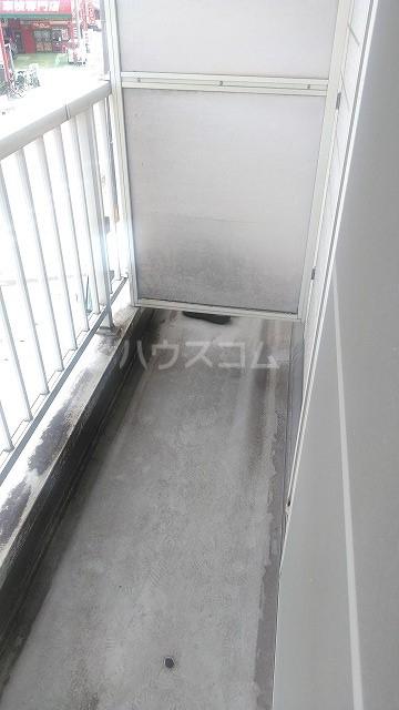 オフコーポ日暮Ⅱ 203号室のバルコニー