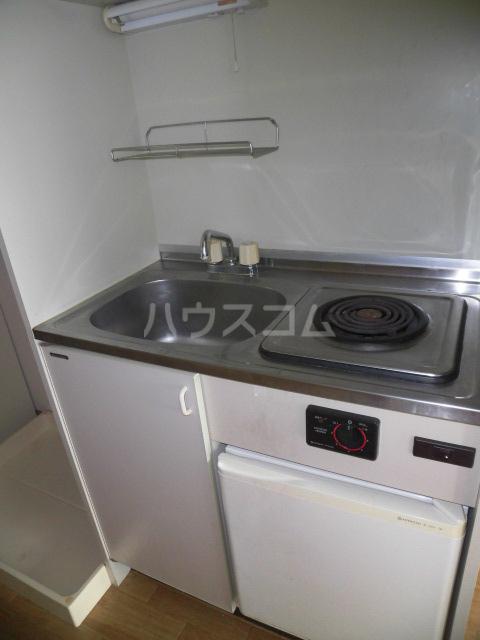 ラポール高砂 301号室のキッチン