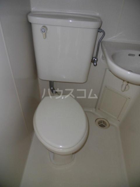 ラポール高砂 301号室のトイレ