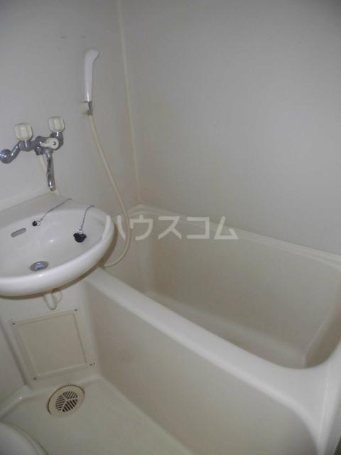 ラポール高砂 301号室の風呂