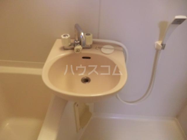 エスポワール常盤 201号室の洗面所