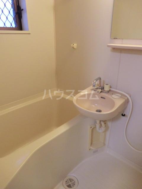 エスポワール常盤 201号室の風呂