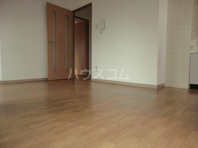 新田第9ビル 202号室の居室