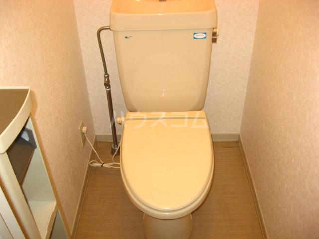 クレスト新開 201号室のトイレ