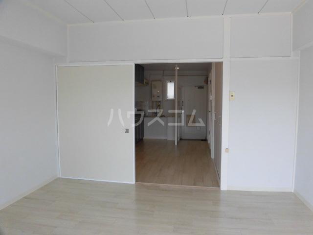 コーポ浜田 205号室の居室